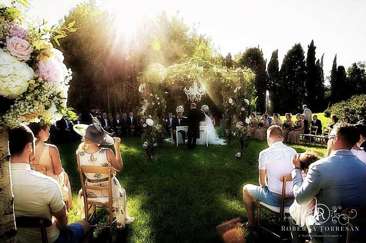 destination wedding planner in Italia